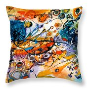 Castele De Nisip Throw Pillow