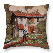 Cercando Tra Le Foglie Throw Pillow
