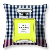 Chanel-no.5-pa-kao-ma1 Throw Pillow