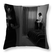 Confesiones Throw Pillow