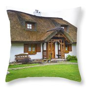 Cottage. Throw Pillow