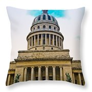 Cuba - La Habana Throw Pillow