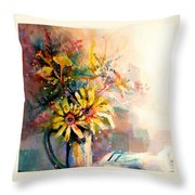 Daisy Day Throw Pillow