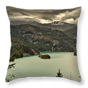 Diablo Lake - Le Grand Seigneur Of North Cascades National Park Wa Usa Throw Pillow