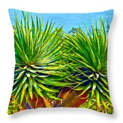 Double Mass With Tips Throw Pillow