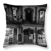 Early Morning Paseo Del Prado Havana Cuba Bw Throw Pillow