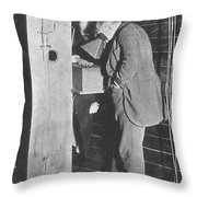 Edison Fluoroscope, 1896 Throw Pillow by Science Source