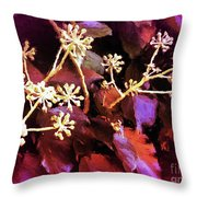Efeu Ivy Vines Pink Throw Pillow