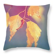 Effeuillantine - 17a Throw Pillow