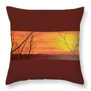 el Sol en Pleno Otono Throw Pillow