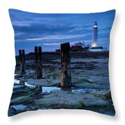 England, Tyne And Wear, St Marys Lighthouse Throw Pillow