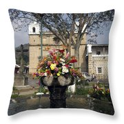 Escuela De Cristo Church II Antigua Throw Pillow