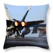 F 18 Hornet-aircraftcarriers Throw Pillow