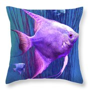 Familia Rosada Throw Pillow