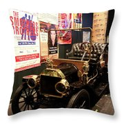 Ford Oldtimer Throw Pillow