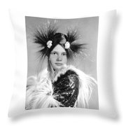 Giesha Throw Pillow