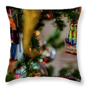 Ginger Ale On Christmas Tree 4392 Throw Pillow