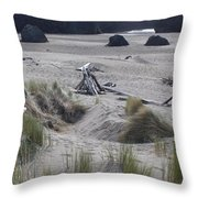 Gold Beach Oregon Beach Grass 18 Throw Pillow