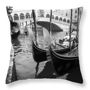 Gondole At Rialto Bridge Throw Pillow
