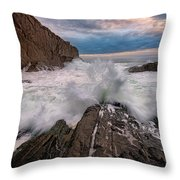 High Tide At Bald Head Cliff Throw Pillow