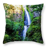 Hole In The Wall Falls Throw Pillow