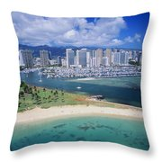 Honolulu, Oahu Throw Pillow