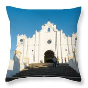 Iglesia San Andres Apostol - Apaneca Throw Pillow