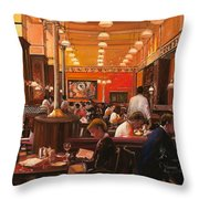 In Birreria Throw Pillow