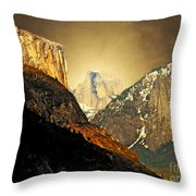 In The Presence Of God Throw Pillow