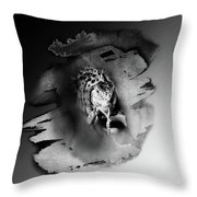 Iwanna Iguana Throw Pillow