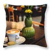 Kaffee Throw Pillow