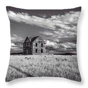 King Homestead_bw-1601 Throw Pillow