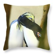 Kissing Pennguins Throw Pillow