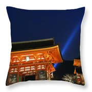 Kiyomizu-dera Main Gate Throw Pillow