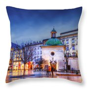kosciol swietego Wojciecha Throw Pillow