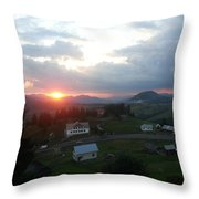 Landscapee Throw Pillow