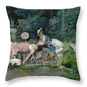 Le Heron Familier Throw Pillow