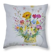 Le Printemps Dans La Maison Throw Pillow