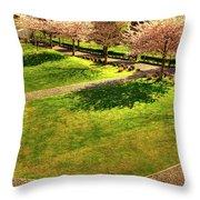 Lingyen Mountain Temple 17 Throw Pillow