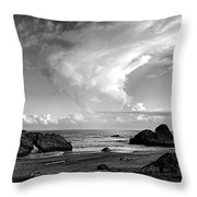 Litoral Central Throw Pillow