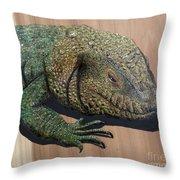 Lizard Art Work Throw Pillow