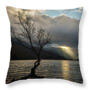 Llyn Padarn Sunrays Throw Pillow