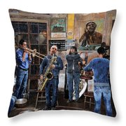 L'orchestra Throw Pillow