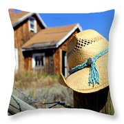 Love Like  A Cowgirl Throw Pillow