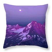 M05413 Moonrise Over Broken Top Throw Pillow