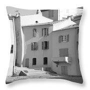 Maisons Sur Le Bord De La Mer A Saint - Tropez Throw Pillow