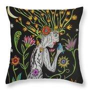 Medusa De Flores Throw Pillow