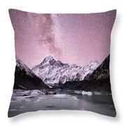 Milky Way Over Mt Cook Throw Pillow