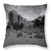 Monumentvalley 38 Throw Pillow