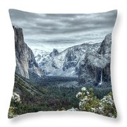 Most Beautiful Yosemite National Park Tunnel View Throw Pillow